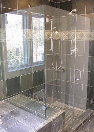 Bathroom Remodel In Lincoln, Nebraska: Frameless Glass Shower.